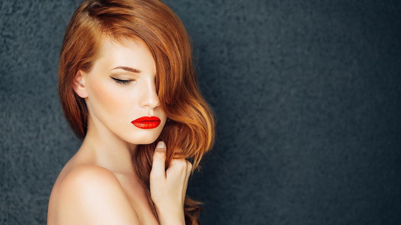 Tendenze capelli autunno inverno 2018-2019  i colori e gli styling più alla  moda per la nuova stagione. - MagazineOnline 3385152b8e5a